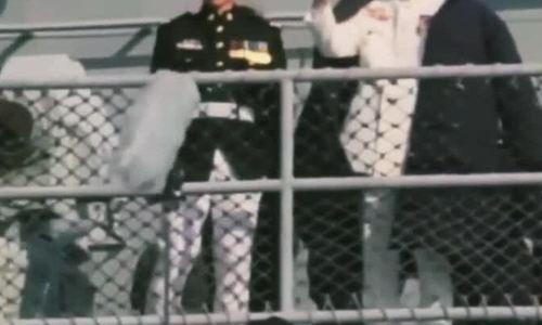 Lee Min Ho mặc quân phục quay phim
